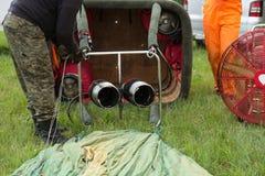 Luftballonvorbereitung für Flug Stockfotos