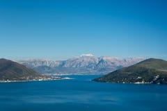 Luftbild der adriatisches Seelandschaft Lizenzfreies Stockfoto