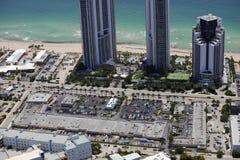 Luftbild Suny-Insel-Strandeinkaufszentren Stockfoto
