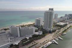Luftbild von Miami Beach-Erholungsorten lizenzfreies stockbild