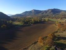 Luftbilder von pazifischen l?ndlichen Nordwestbauernh?fen, von Fl?ssen und von endlosem Forrests oregon lizenzfreies stockfoto