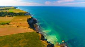 Luftbildfotografie der albaster Küste in Yport, Normandie stockbilder
