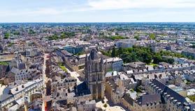 Luftbildfotografie des St- Aubinturms verärgert herein lizenzfreie stockfotografie