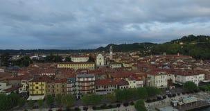 Luftbildfotografie von Altbauten in Italien stock video