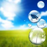 Luftblase der Sonnenkollektor- und Windturbine Stockbild