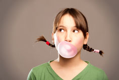 Luftblase mit Kaugummi Lizenzfreie Stockfotografie