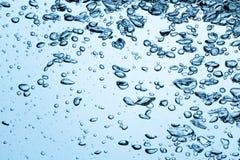 Luftblasen im Wasser Stockfotografie