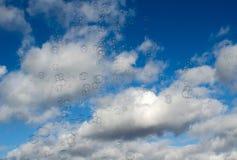 Luftblasen vom Himmel Stockfotos