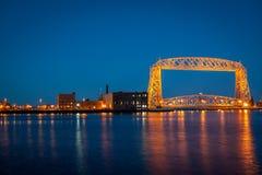 Luftbrücke nachts lizenzfreie stockbilder