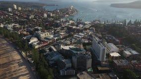 Luftbrummen geschossen vom männlichen Kai, männlich, Sydney, NSW, Australien stock video footage