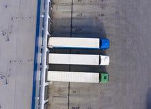 Luftbrummenansicht ?ber Absatzzentrum Logistisches und Transportkonzept stockbilder