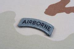 Luftburen flik för USA-ARMÉ på kamouflagelikformign Arkivfoton