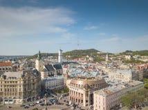 Luftdach-und Stra?en alte Stadt Lemberg, Ukraine lizenzfreies stockbild