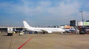 Luftfahrt Boeings 767-200 VP-BAI Utair, die an internationalem Flughafen Vnukovo steht lizenzfreie stockbilder