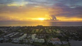 Luftfoto der Flagler-Villa und der Unterbrecher Stockbilder