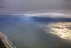 Luftfoto der Landschaft und Japan fahren um die Tokyo-Bucht die Küste entlang, die vollständig zum Horizont während des Sonnenauf Lizenzfreie Stockfotos