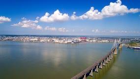 Luftfoto der Saint Nazaire-Brücke stockfotografie