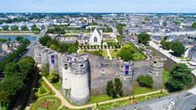 Luftfoto des Angers Stadtschlosses stockbilder