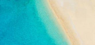 Luftfoto des leeren Strandes lizenzfreie stockbilder