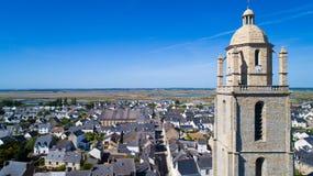Luftfoto von Batz-sur Mer-Dorf stockfotografie