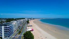 Luftfoto von Bucht La Baules Escoublac lizenzfreie stockbilder