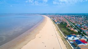 Luftfoto von Chatelaillon-Strand in Charente See lizenzfreies stockbild