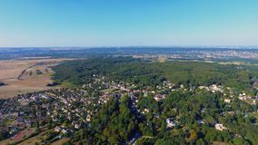 Luftfoto von Dorf Morainvilliers Bures lizenzfreies stockbild