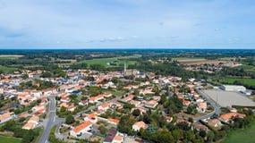 Luftfoto von Hafen-Heiliges Pere-Dorf, die Loire Atlantique lizenzfreies stockfoto