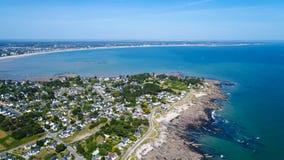 Luftfoto von Penchateau Punkt und La Baule lizenzfreie stockfotos