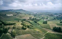 Luftfoto von Piemont-Weinbergen stockfotos
