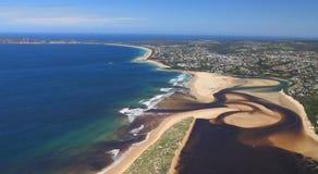 Luftfoto von Plettenberg-Bucht in Südafrika Lizenzfreies Stockfoto