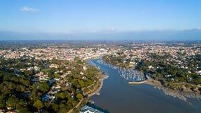 Luftfoto von Pornic-Bucht in der Loire Atlantique stockbilder