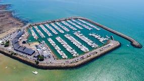 Luftfoto von Pornichet-Jachthafen in der Loire Atlantique lizenzfreie stockbilder