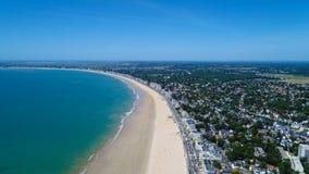 Luftfoto von Strand La Baules Escoublac lizenzfreie stockfotografie