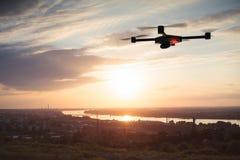 Luftfotografieren mit Brummen Lizenzfreie Stockbilder