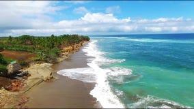 Luftgesamtlänge des pazifischen Ufers stock video