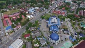 Luftgesamtlänge einer Moschee stock video