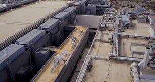 Luftgesamtlänge eines großen Industriegeländes stock video