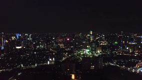Luftgesamtlänge von Nachtlichtern in Jakarta stock video footage