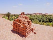 Luftgetrocknete Ziegelsteine in Ait Benhaddou, Marokko Stockfotos