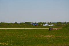 Luftgruppen-Kunstfliegen ` Strizhi-` des Jet MiG-29 kommt zur Landung Lizenzfreies Stockfoto