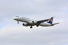 Lufthansa θλεμψραερ erj-190 Στοκ Φωτογραφίες