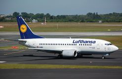 Lufthansa 737 Royalty Free Stock Image