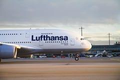 Lufthansa A380 en el aeropuerto de Oslo Foto de archivo libre de regalías