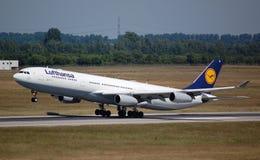Lufthansa Airbus 340 Stockfoto