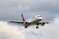 Lufthansa Airbus A320 Lizenzfreie Stockbilder