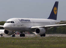 Lufthansa Airbus A319-100 aircraft preparing for take-off from the runway Stock Photo
