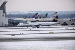 Lufthansa Airbus A321-200 D-AIDE dans l'aéroport de Munchen Images libres de droits