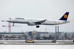 Lufthansa Airbus A321-100 D-AIRO a décollé de l'aéroport de Munchen Photographie stock libre de droits