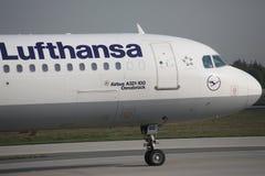 Lufthansa Airbus A321-100, D-AIRU no aeroporto de Francoforte FRA Foto de Stock